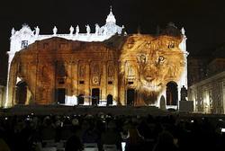 バチカン彩る光の芸術、聖年に合わせ環境保護訴え