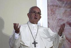ローマ法王の訪日「真剣に検討」、来夏?