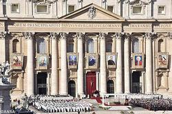 バチカンで列聖式:7人の新しい聖人を祝う