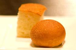 人はパンだけで生きるものではない