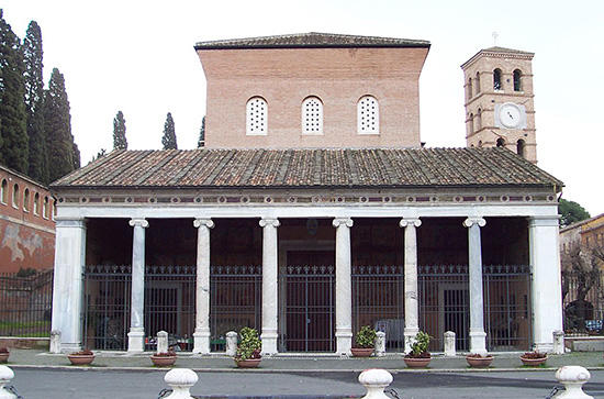 サン・ロレンツォ・フオーリ・レ・ムーラ大聖堂