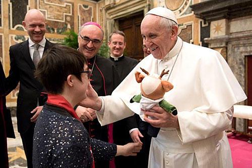 教皇「スポーツは出会いと連帯の文化を広めるもの」